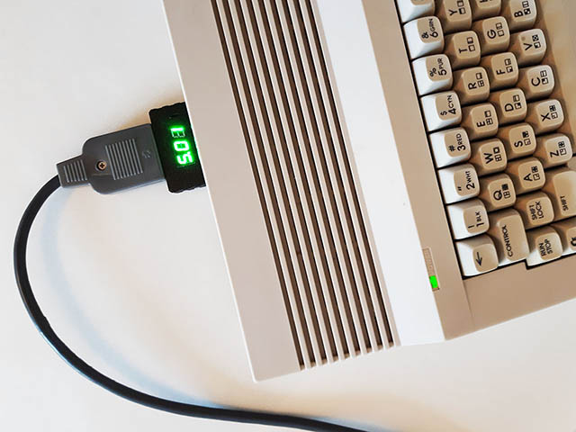 Votmeter at the back of C64C